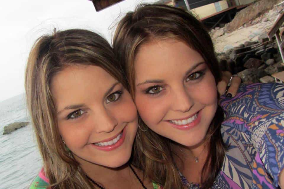 The Incredible Story Of The Pair Of Twins Who Got Pregnant At The Same Time
